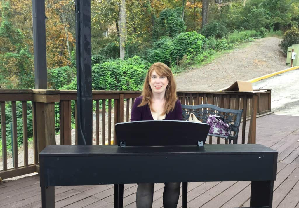 Piano Player at outdoor wedding