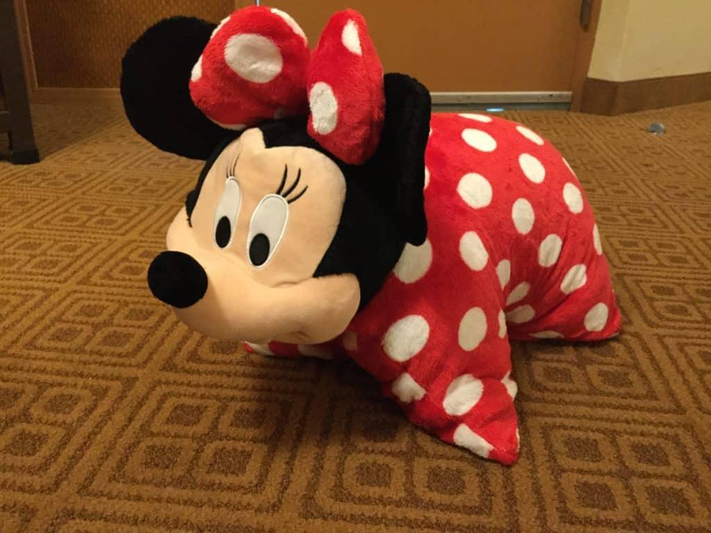 saving money on souvenirs at Disney World