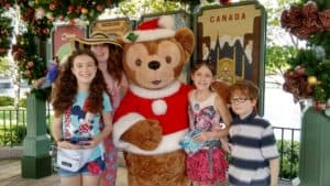 photo with Duffy bear in Disney Epcot
