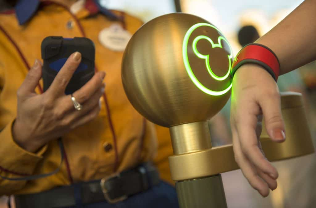 Magic Bands and FastPass+ Rides