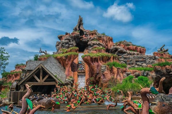 Tips to Stay Cool at Disney World: Cooling Towels, Misting Fans, and What to Wear
