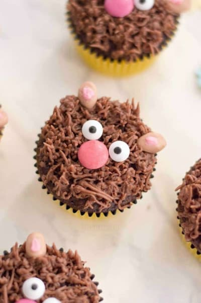 Teddy Bear cupcakes kids can decorate