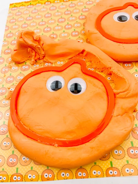 No-Cook Pumpkin Themed Play Dough Recipe