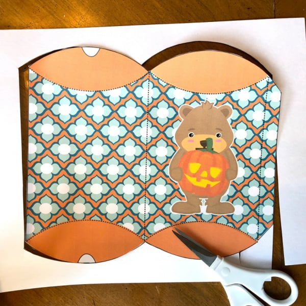 Cutting out treat bag template