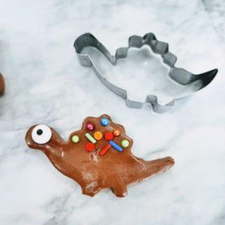 Dinosaur made with Nutella playdough
