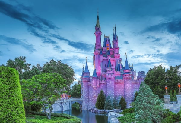 Can You Bring Lunch, Outside Drinks, and Bottled Water to Disney World?
