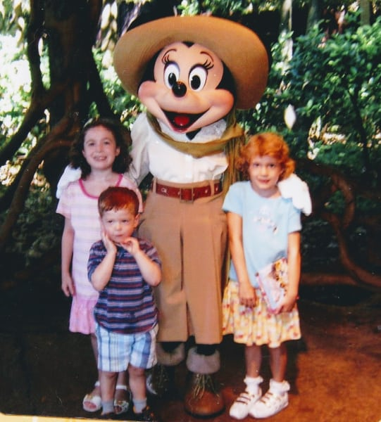 Kids with Minnie Mouse in Disney World