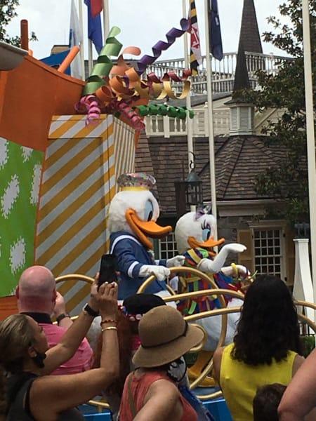 Donald Duck Disney Character Cavalcade